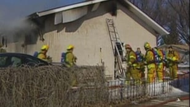 sk-house-fire-back090331