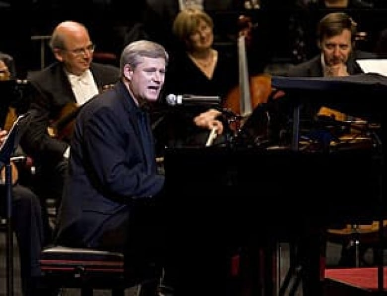 PM gets by with help from Yo-Yo Ma | CBC News