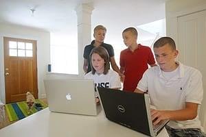 teens-social-net-cp-300-527