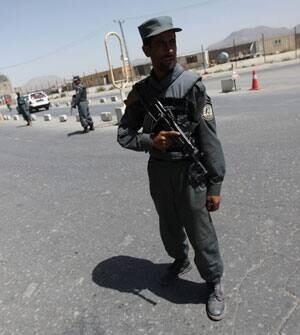 afghan-police-cp-RTR26U0S