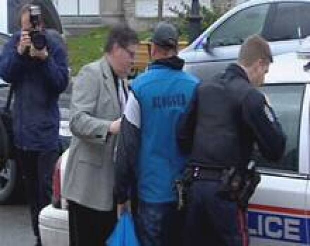 nb-blogger-leblanc-arrest