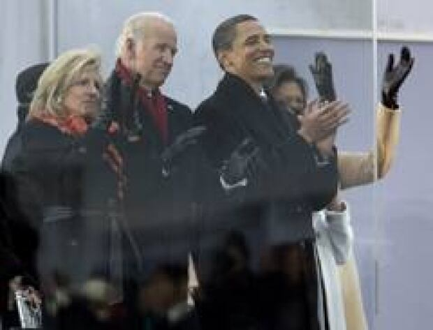 obama-clapping-cp-6108365