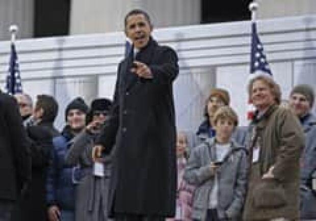 obama-crowd-cp-6108347