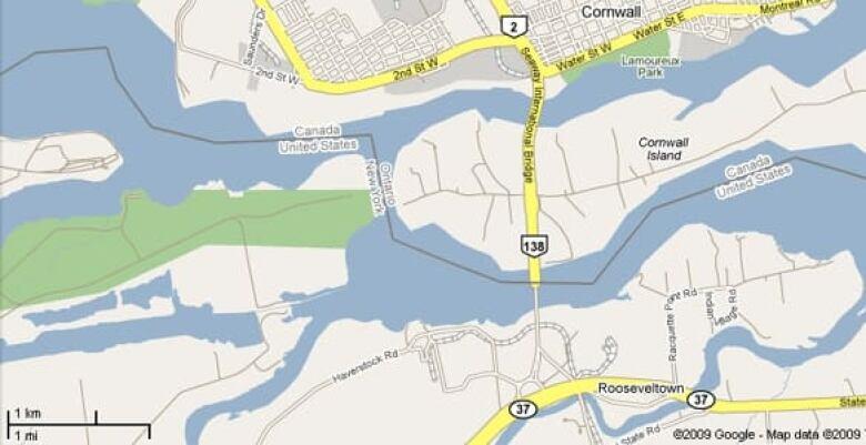 Cornwall Canada Map.Ontario Border Bridge Closed For 5 Hours Cbc News