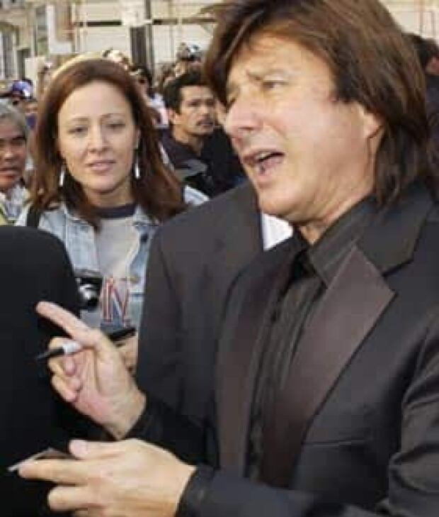 steve-perry-cp-RTRL6S3
