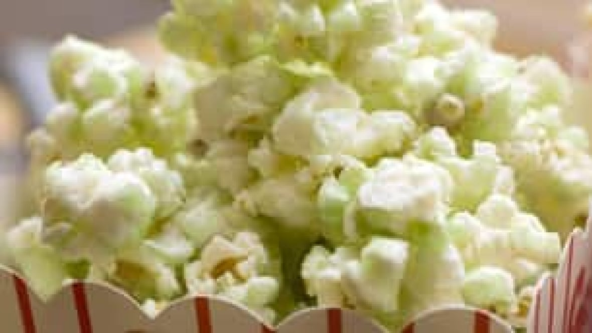 Movie Theatre Popcorn Salt Fat Get Thumbs Down Cbc News
