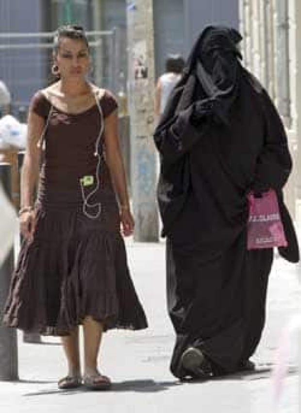 france-burqa-cp-6902119