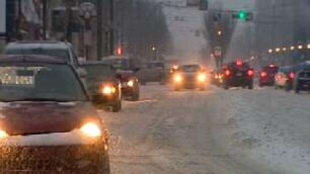 edm-traffic-snow-evening