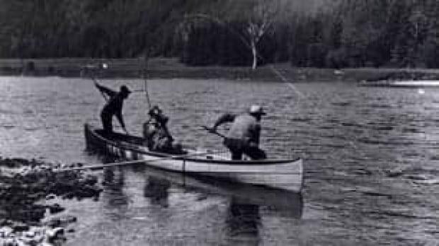 canoe-306