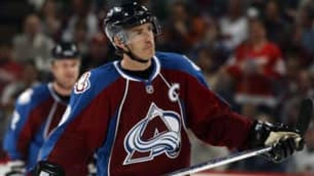 Joe Sakic has 1,641 points in 1,378 games over 20 NHL seasons.