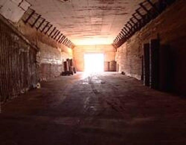 pe-hendricken-warehouse