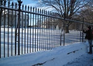 white-house-snow-scene-091220