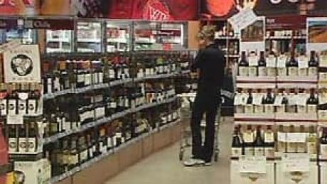 Edmonton liquor store bylaw review goes ahead despite public backlash