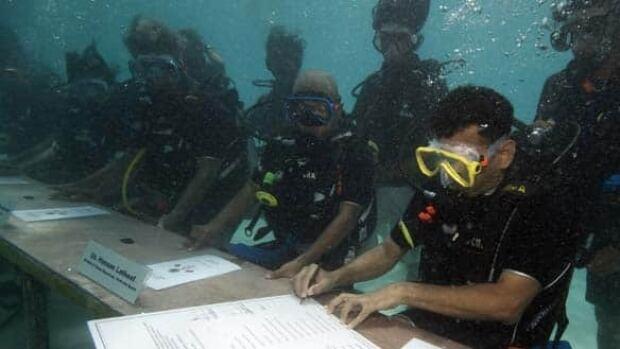 w-maldives-cabinet-cp-7503896