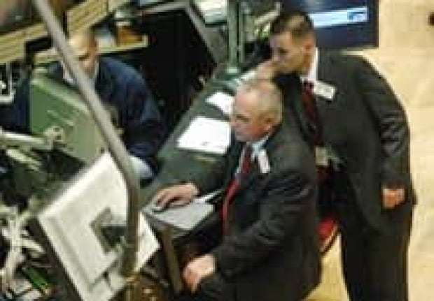 wall-street-traders-cp-2595744