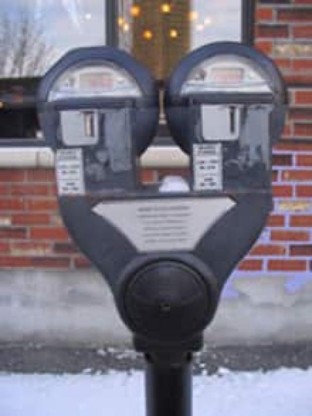 mtl-parkingmeterok1205