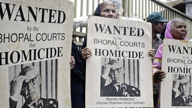 bhopal-protest-cp-RTR9X5M