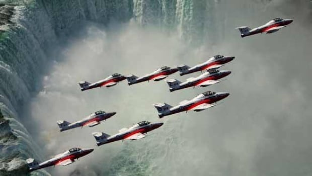 Taking Flight With The Snowbirds Canada Cbc News
