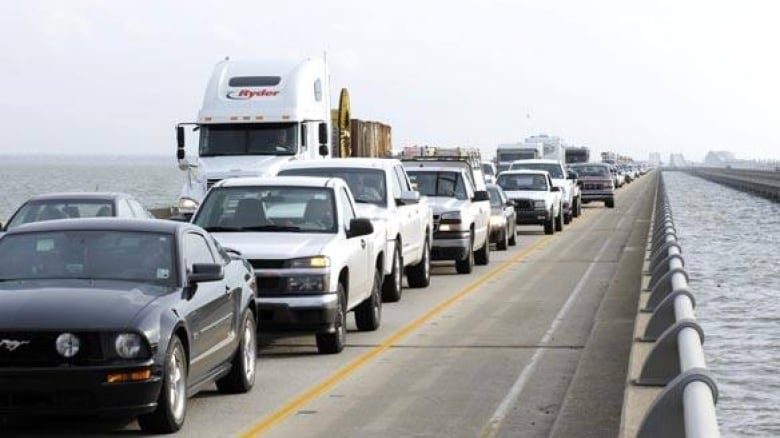 New Orleans prepares for hurricane evacuees' return | CBC News