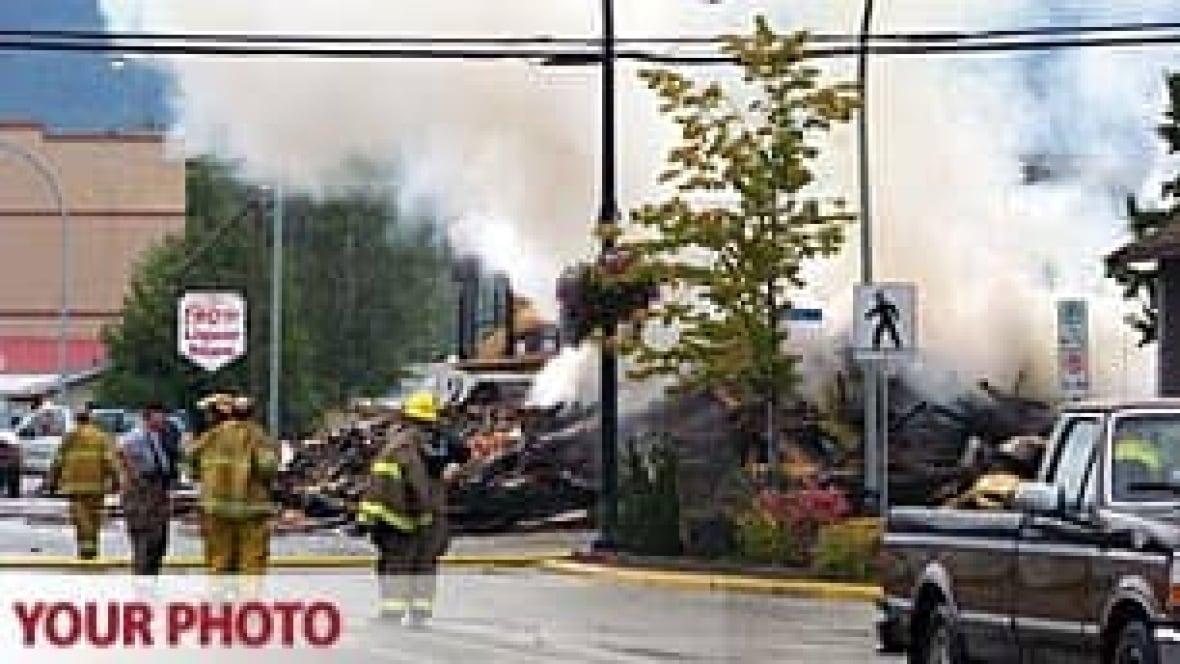 Fire destroys old skeena hotel in terrace british for 9 kitchener terrace