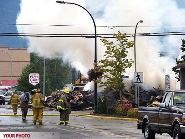 bc-080910-skeena-hotel-fire-584