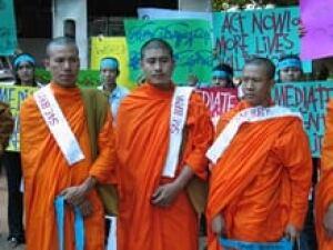 monks-thailand-credit-080518