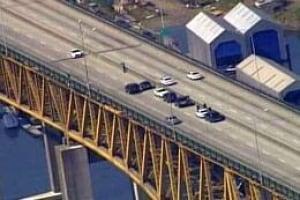 bc-080702-bridge-closure4