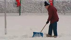 tp-cgy-shovel-snow