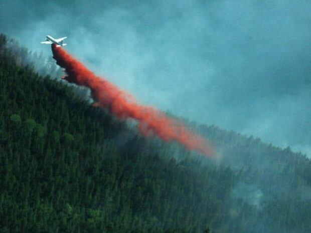 bc-080722-fire-min-edgewood4-j19