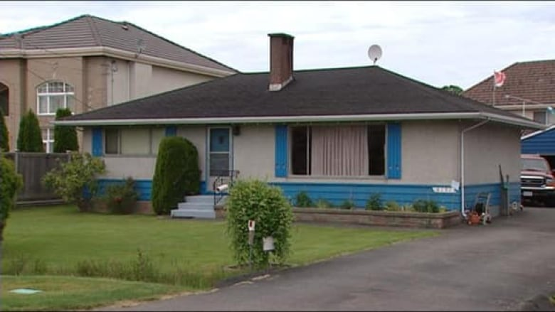 Cool B C Man Victim Of Title Fraud Cbc News Home Interior And Landscaping Eliaenasavecom