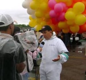 brazilian-priest-balloons-c