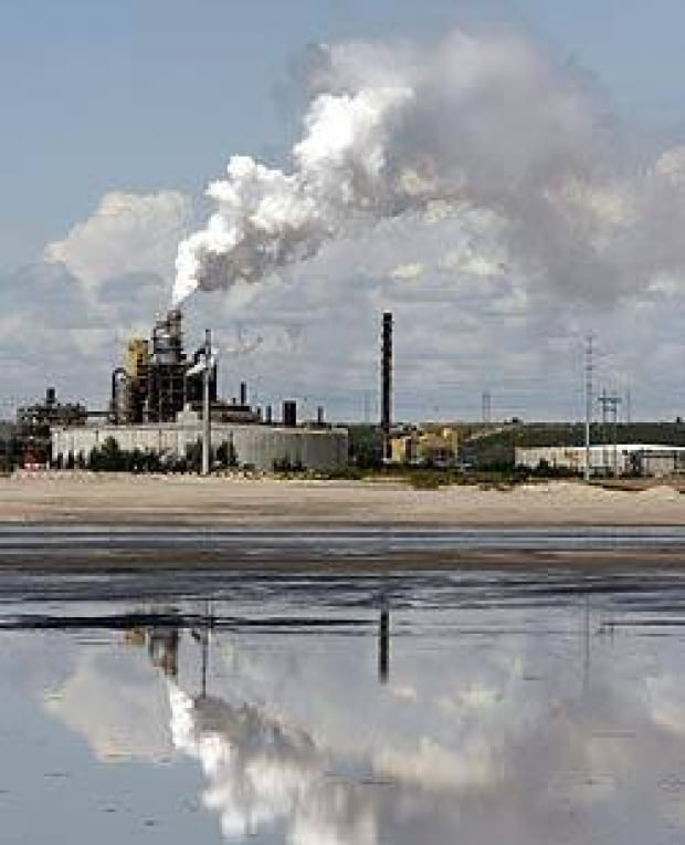 oilsands-tailings-cp-517324