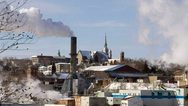 """While the Canadian government has made """"significant progress"""" in reducing greenhouse gas emissions, Canada will fail to meet its 2020 greenhouse gas reductions targets under the Copenhagen Accord, says a new Environment Canada report obtained by CBC News."""