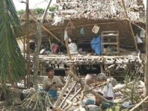 burma-hut-cp-4825011