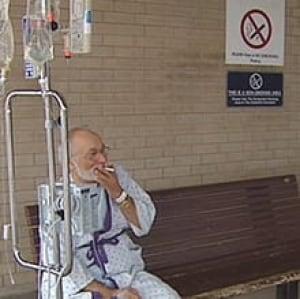 sk-smoking-hospitals080602