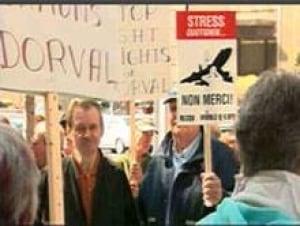 mtl-airportprotest