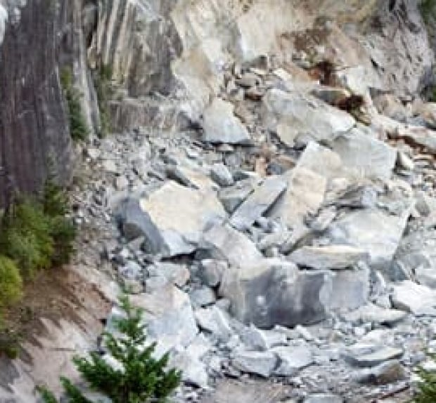 bc-080730-rockslide-cp-FULL