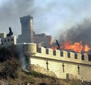 malibu-castle-fire-cp-3778016