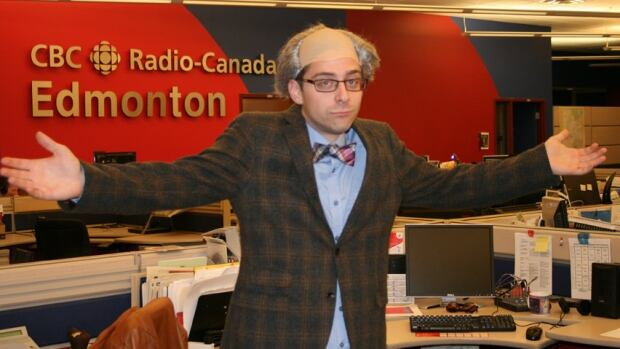 Mayor Mandel costume