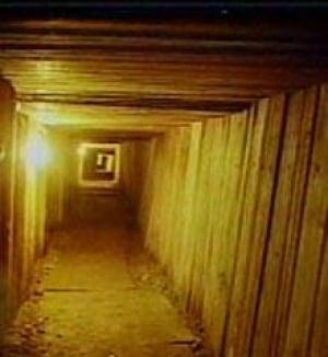 tunnel_dugout_dea050721