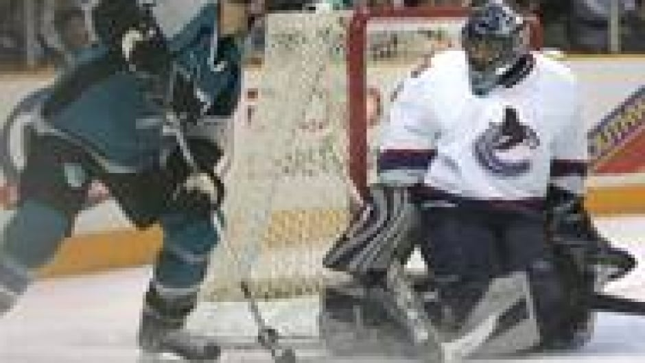 All Eyes On Luongo In Vancouver Cbc Sports