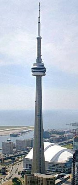 to-cn-tower-vertical