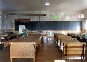 school-amish-cp-10852585