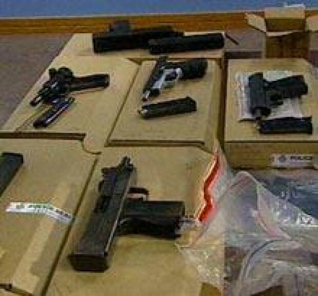guns_table050214