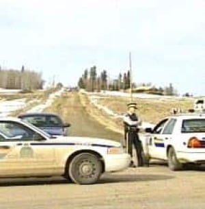 rcmp_marijuanashoot050303