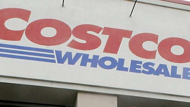 Costco Wholesale Canada and its only credit card supplier, American Express, are severing their 15-year relationship.
