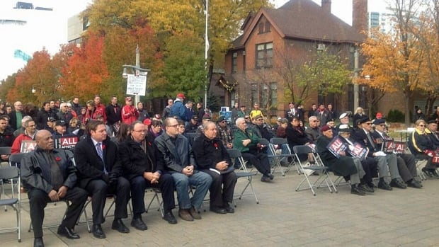 Veterans and politicians rallied Friday to save Windsor's Veterans Affairs office.