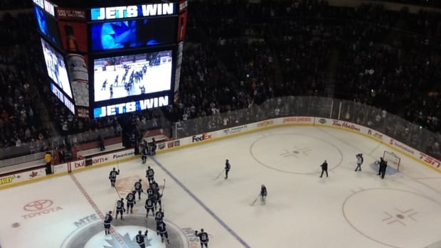 Winnipeg Jets dominated the Nashville Predators 5-0 Friday at the MTS Centre. (Bruce Ladan/CBC)