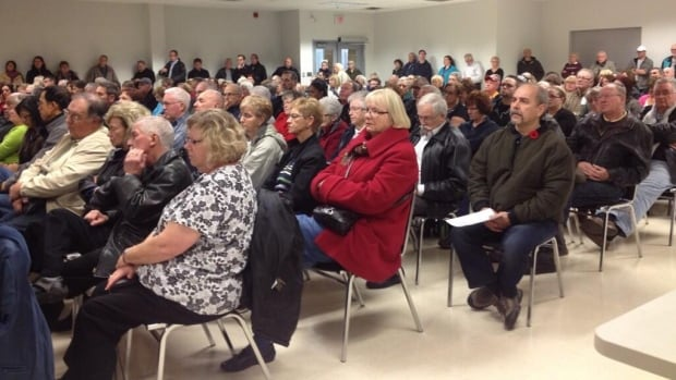 Hundreds have rallied behind Windsor Regional Hospital's decision to defy orders to stop performing certain cancer surgeries.