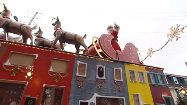 The Newfoundland and Labrador government says inspections of floats in Santa Claus parades across the province should be the responsibility of parade organizers.